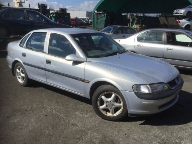Holden Vectra B 96-99